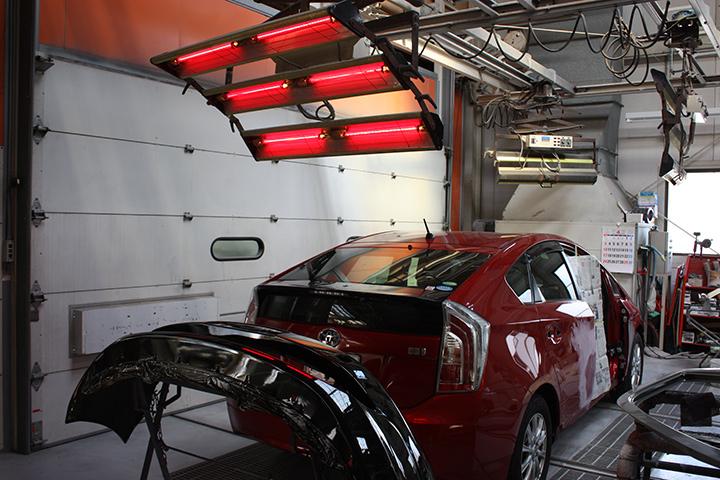 赤外線塗装乾燥機